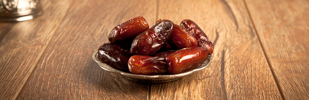 Can Dogs Eat Dates? (Nutritional Guide)