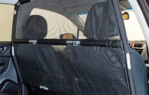 Bushwhacker Paws n Claws Deluxe Dog Car Barrier