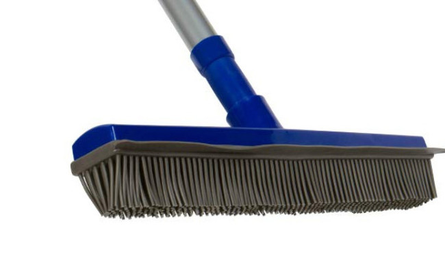 Fox Trot Dog Hair Broom