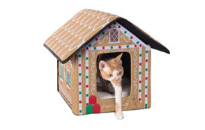 K&H Pet Products Holiday Gingerbread Cat House