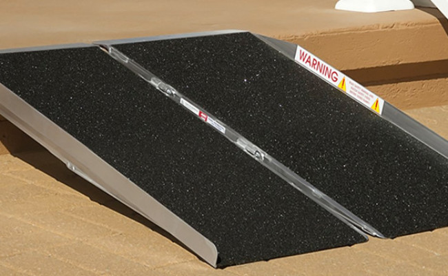 Prairie View Industries Dog Ramp