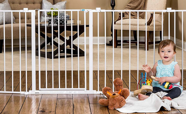 Regalo Adjustable Dog Gate