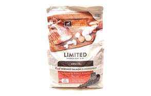 SIMPLY NOURISH Salmon and Sweet Potato Dog Food